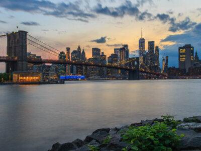 Brooklyn Bridge am Abend